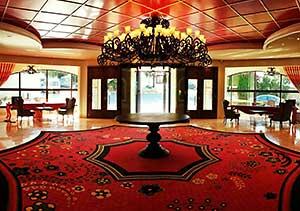 wohnen sie in einem der besten hotels zyperns oberhalb girnes. Black Bedroom Furniture Sets. Home Design Ideas